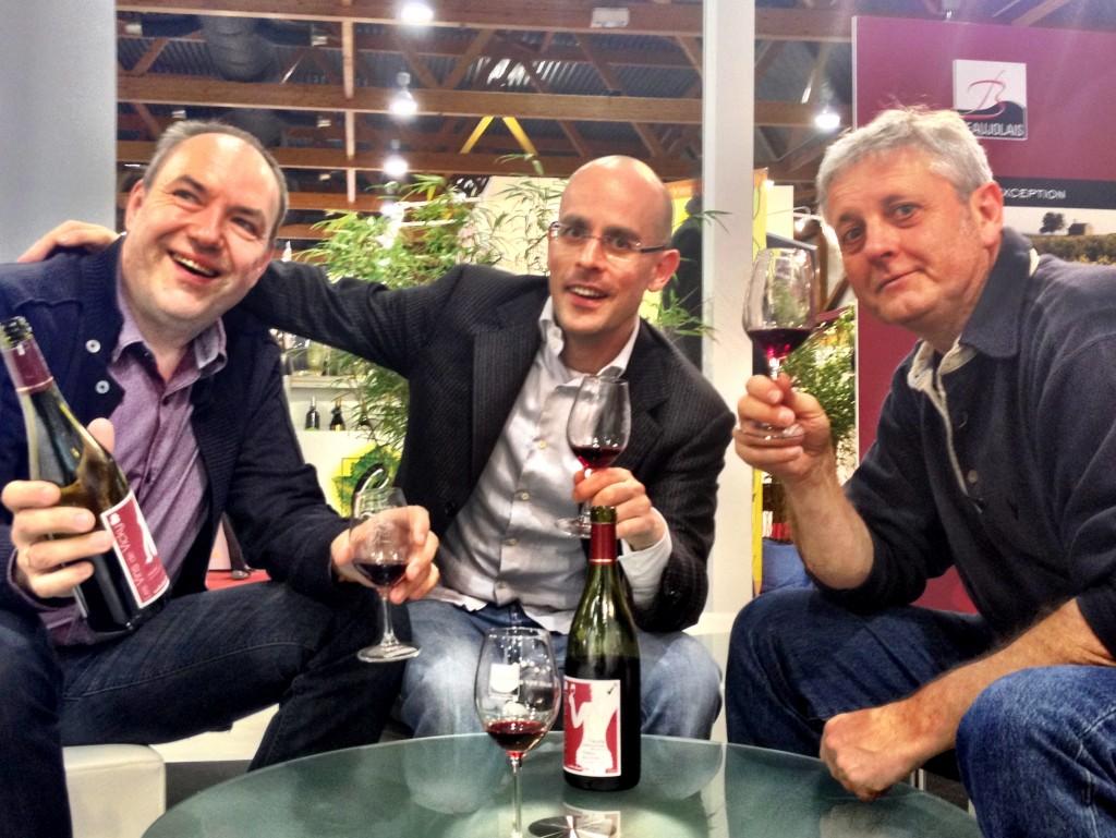 Megavino 2013 Sur le pavillon France, les journalistes Marc Vanhellemont (dit Vanel) et Marc Vanhellemont encerclent FabSommelier